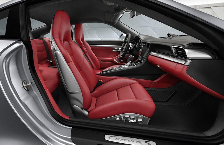 2019 Porsche 911 side interior
