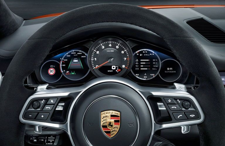 2020 Porsche Cayenne Coupe driver display