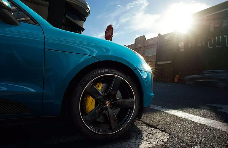 Front bumper of the 2020 Porsche Macan