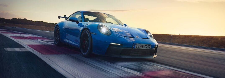 2022 Porsche 911 GT3 going around a race track