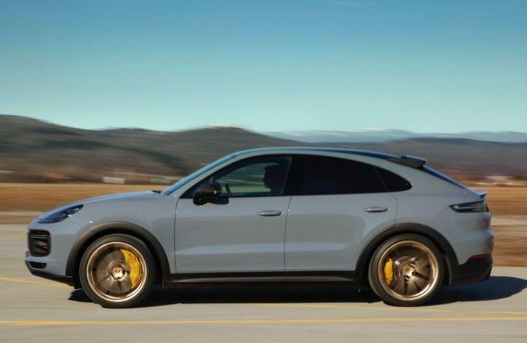 2022 Porsche Cayenne Turbo GT side exterior look