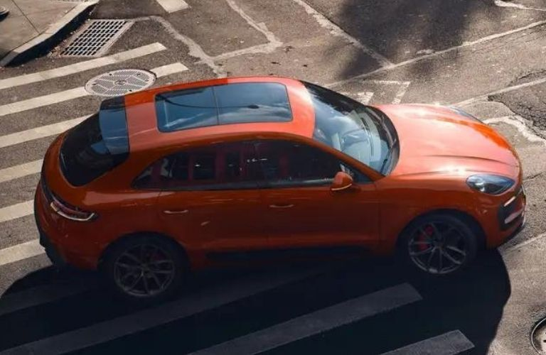 2022 Porsche Macan top and side view