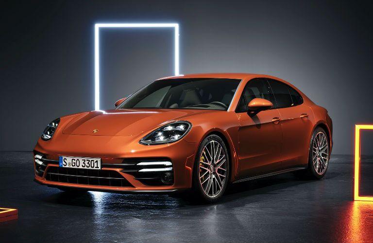 A front left quarter photo of the 2021 Porsche Panamera.