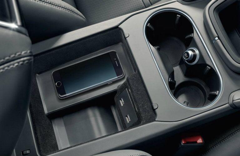 Center console in 2019 Porsche Cayenne