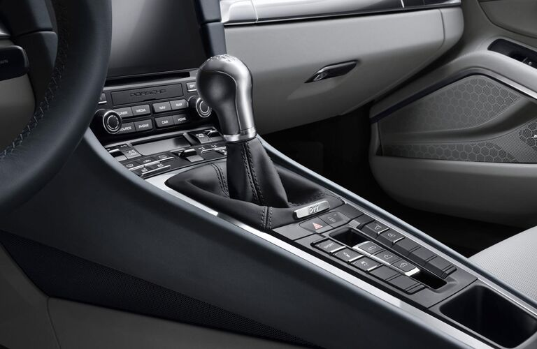 2019 Porsche 911 Carrera center console