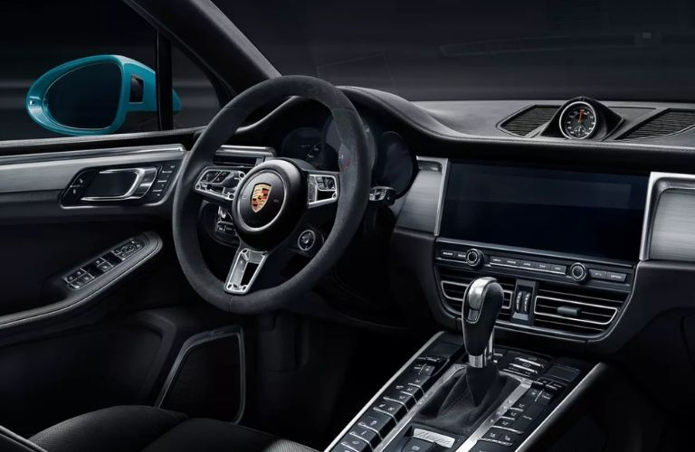 Interior view of 2020 Porsche Macan