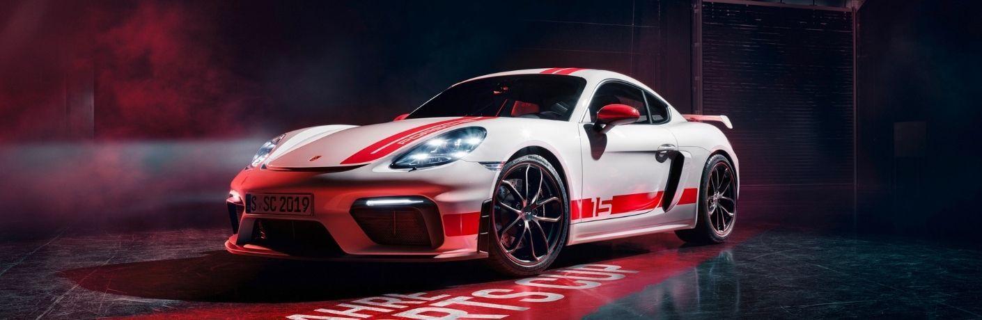 2021 Porsche 718 Cayman GT4 front quarter image