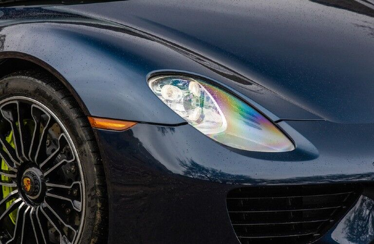 Closeup of headlight on Porsche 918 Spyder