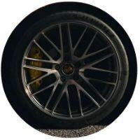Closeup of wheel on 2021 Porsche Panamera