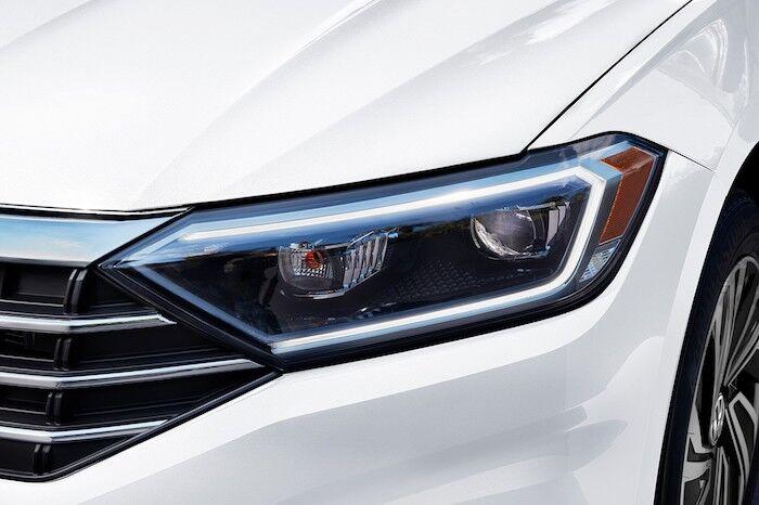 2020 Volkswagen Jetta LED headlights