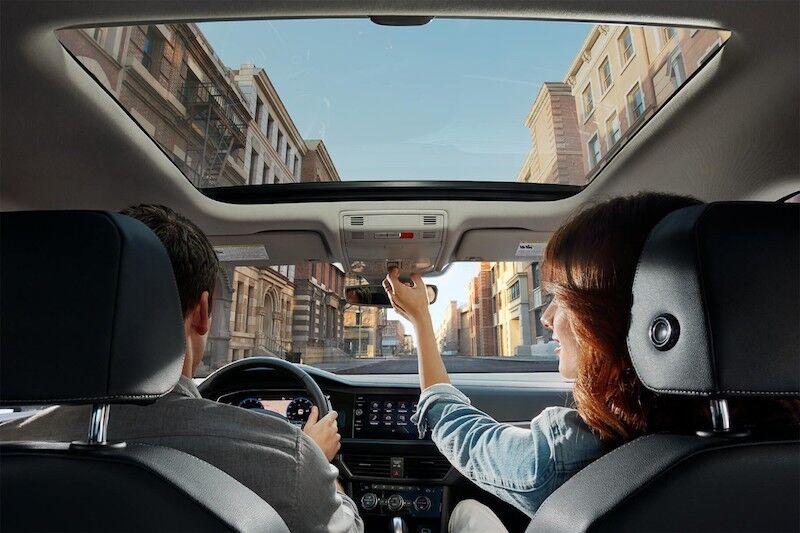 2020 Volkswagen Jetta Panoramic sunroof