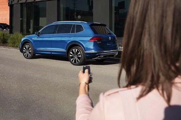 2020 Volkswagen Tiguan remote power liftgate