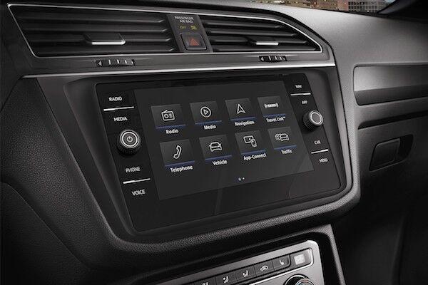 2020 Volkswagen Tiguan 8 inch touchscreen sound system