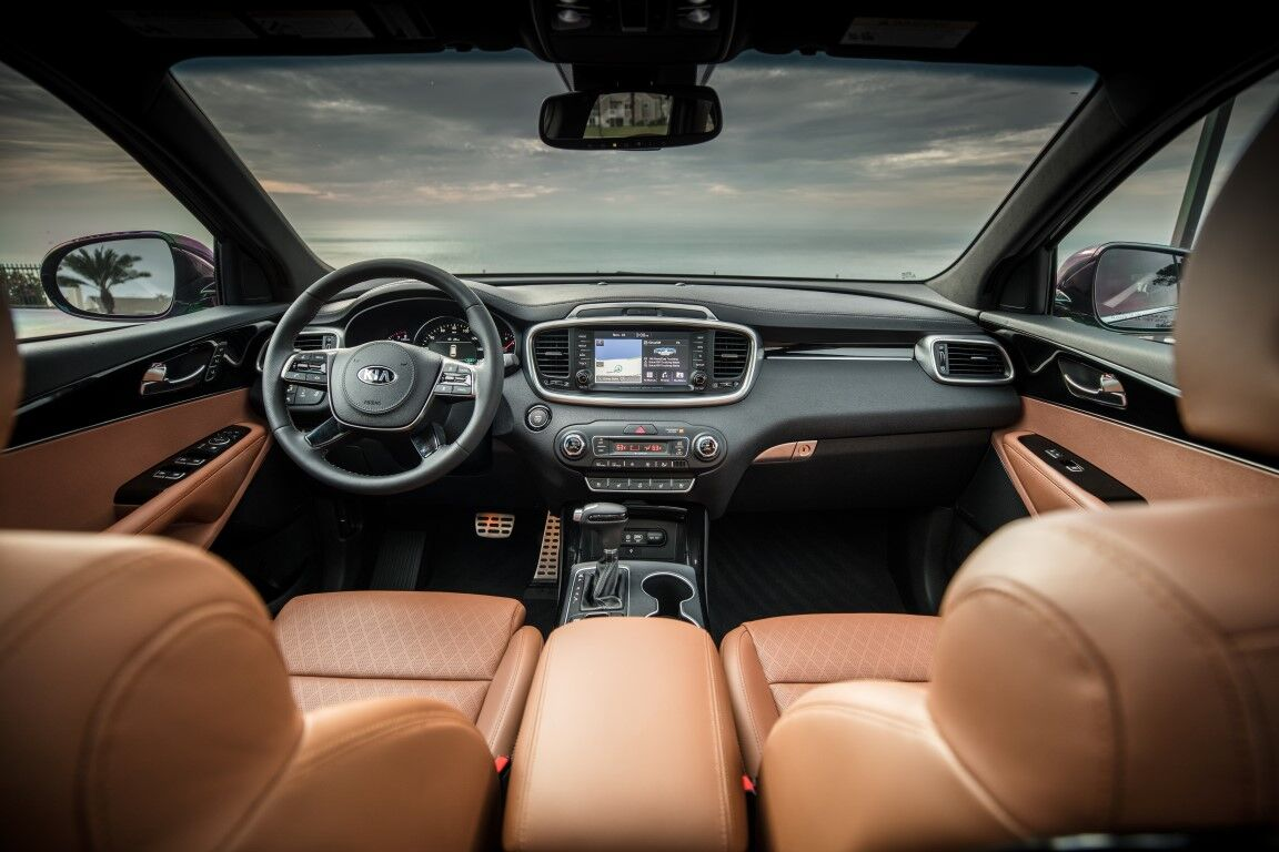 2020 Kia Sorento interior front cabin steering wheel dashboard