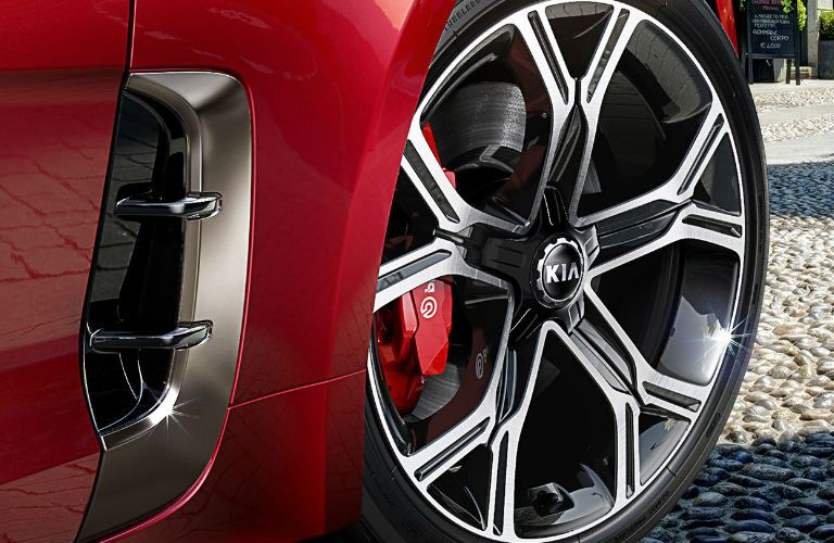 2019 Kia Stinger wheel