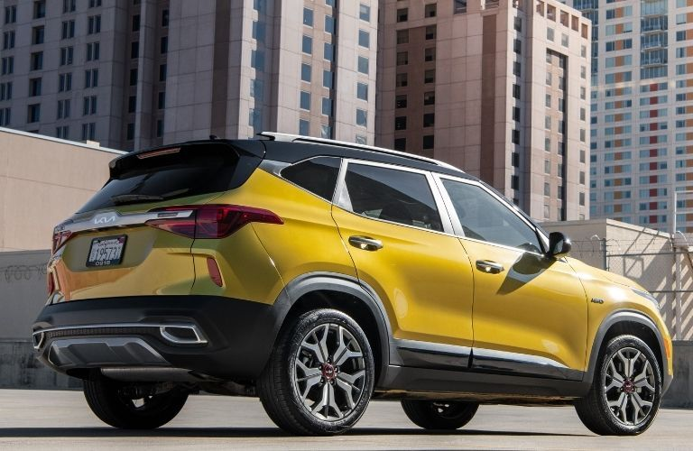 2022 Kia Seltos back and side exterior look