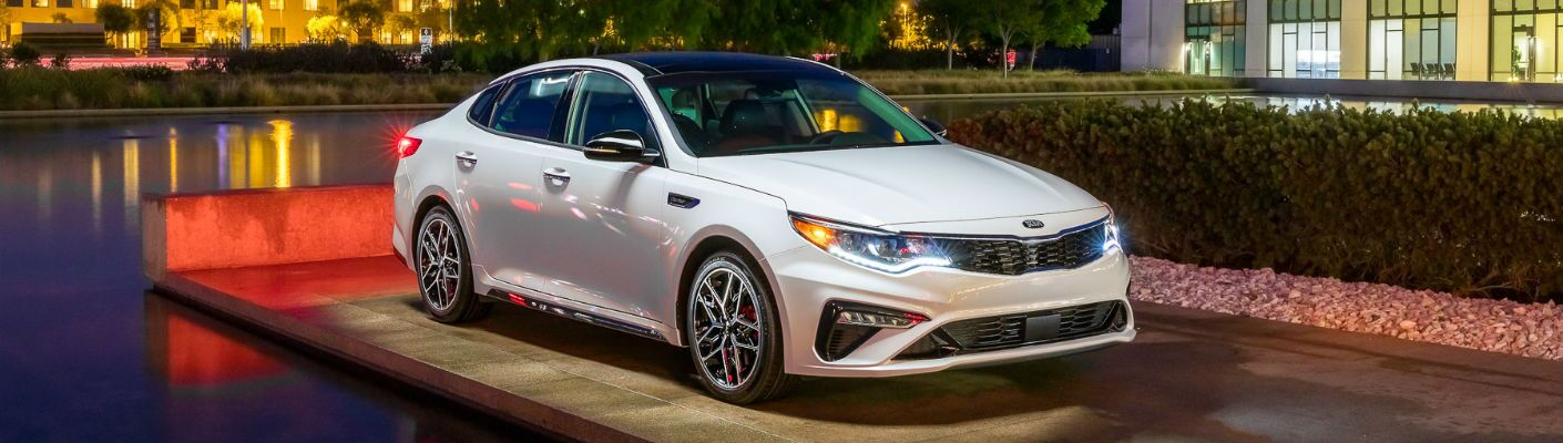 A front right quarter photo of the 2020 Kia Optima.