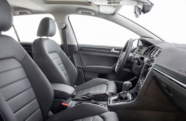 front seats of the 2018 Volkswagen Golf