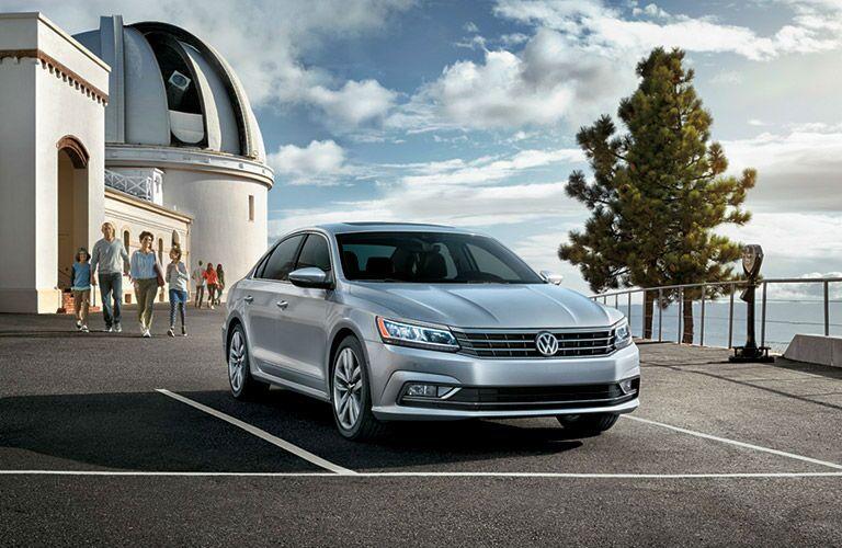 2016 Volkswagen Passat Elgin IL exterior front side