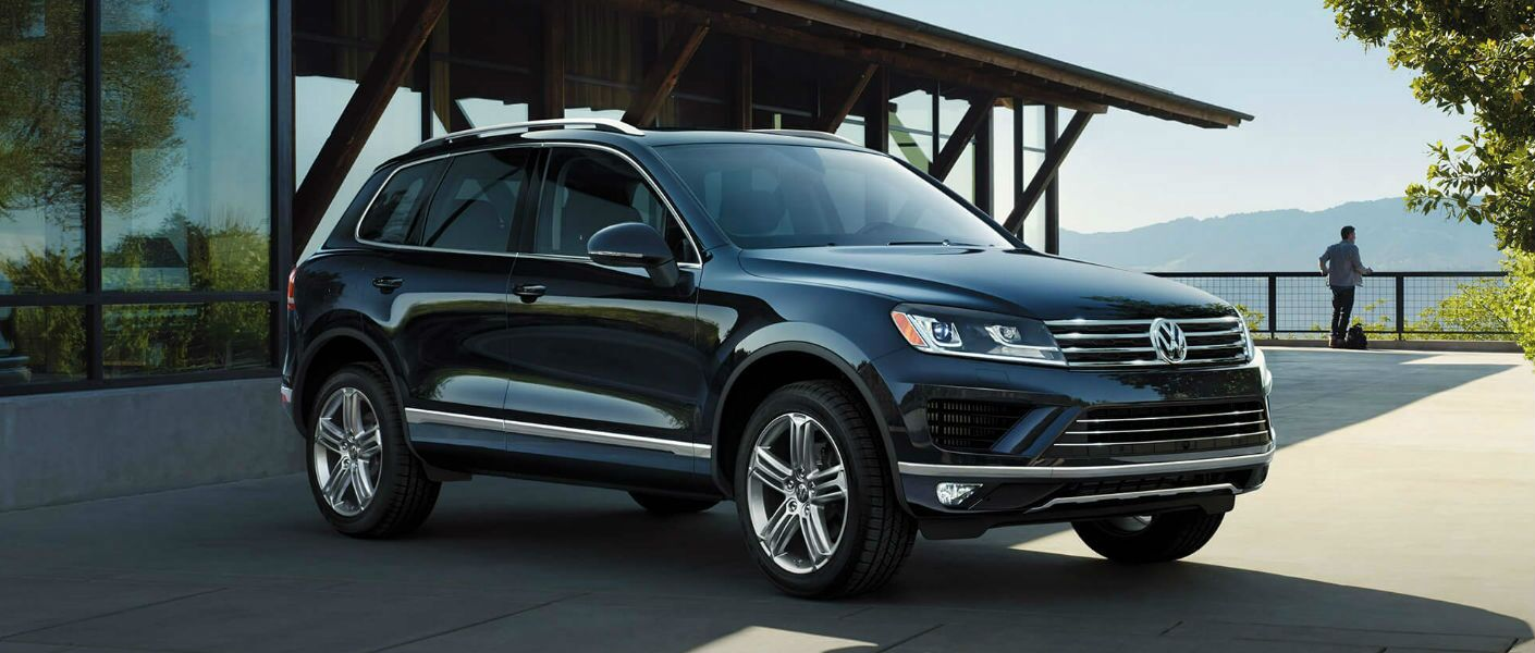 The 2016 Volkswagen Touareg is available in Elgin IL.