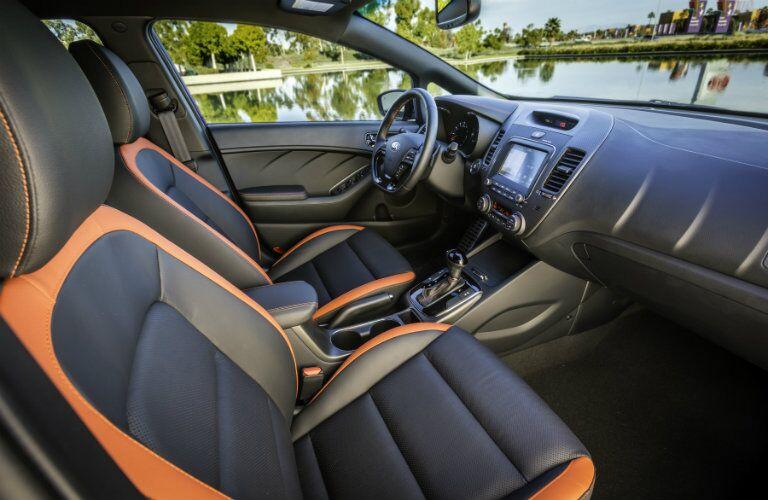 front interior of a 2018 Kia Forte5