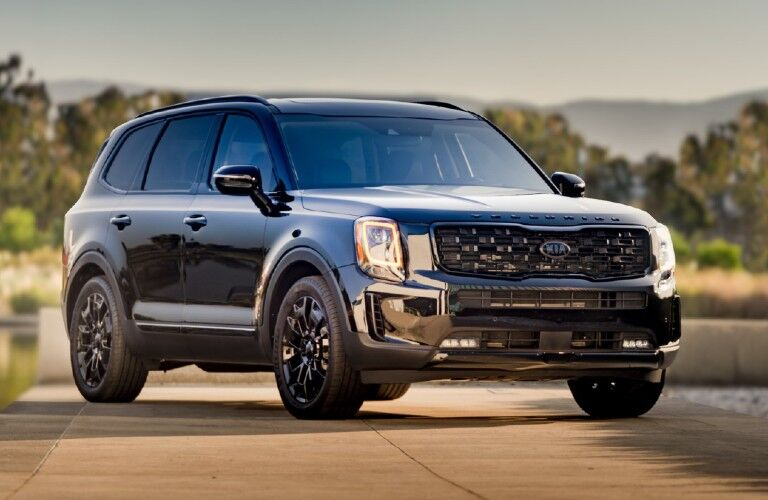 front view of a black 2021 Kia Telluride