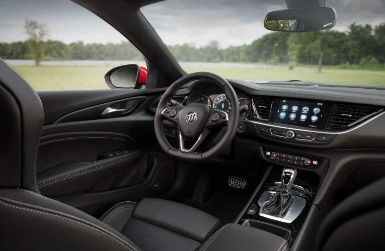 Interior dashboard design of 2018 Buick Regal GS