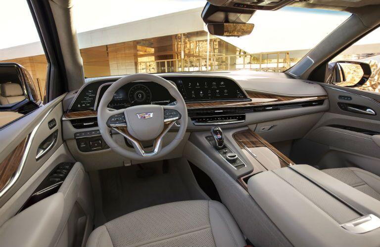 A photo of the driver's cockpit in the 2021 Cadillac Escalde ESV.