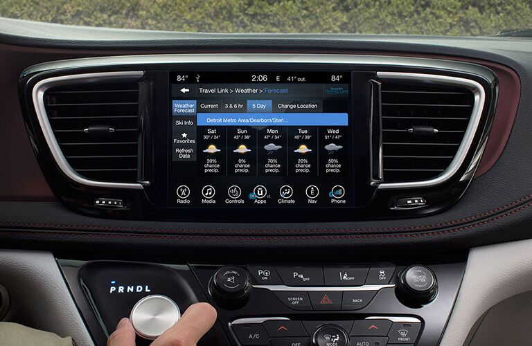 2017 Chrysler Pacifica First row LCD screen