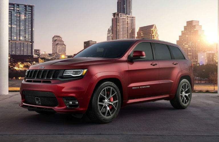 2017 Jeep Grand Cherokee SRT front grille