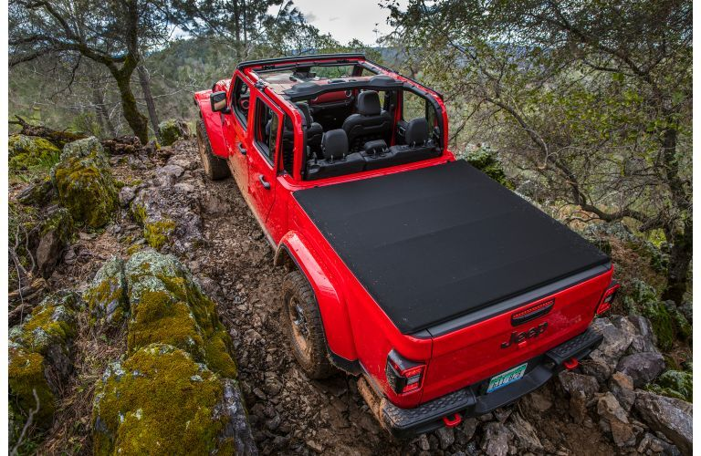 2020 Jeep Gladiator exterior overhead shot of tonneau cover on truck bed with removable roof