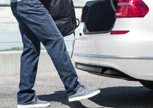 Hands-free Easy Open trunk