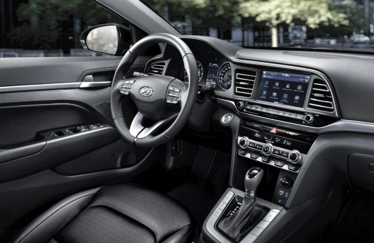 2020 Elantra steering wheel and infotainment screen