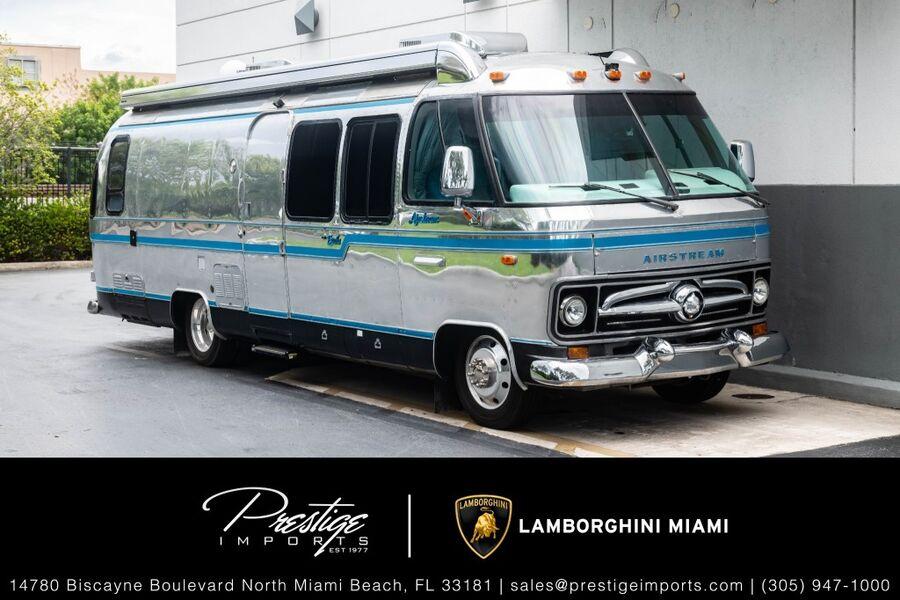 0_AIRSTREAM_38' RV__ North Miami FL