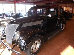 1937_Ford_Deluxe_Sedan_ Colorado Springs CO