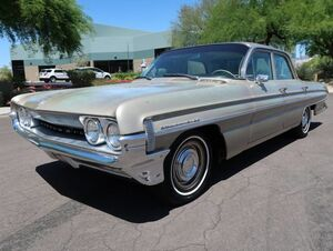 1961_Oldsmobile_Dynamic 88_Celebrity Sedan_ Scottsdale AZ