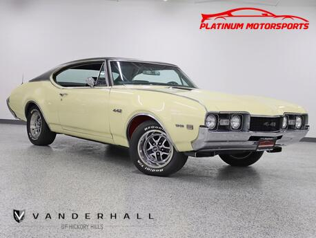 1968_Oldsmobile_442_Sport Coupe Tribute W-30 Pkg 4-Spd Edelbrock Heads & Intake_ Hickory Hills IL