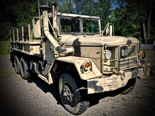 KAISER DEUCE AND A HALF 6X6 DIESEL MANUAL TRANSMISSION 1970