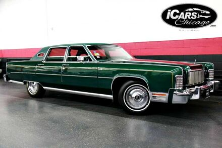 1976_Lincoln_Continental_4dr Sedan_ Chicago IL