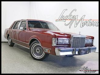 1985_Lincoln_Town Car__ Villa Park IL