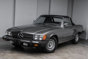 1985_Mercedes-Benz_380 Series_380SL_ Akron OH