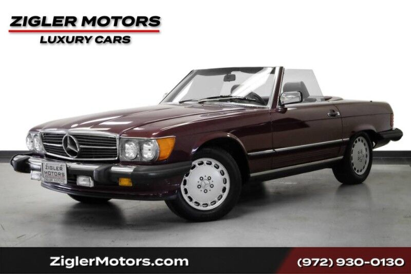 1987 Mercedes-Benz 560 Series 560SL Garage kept Complete service history Clean Carfax