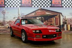 1988_Chevrolet_Camaro_IROC-Z_ Bristol PA