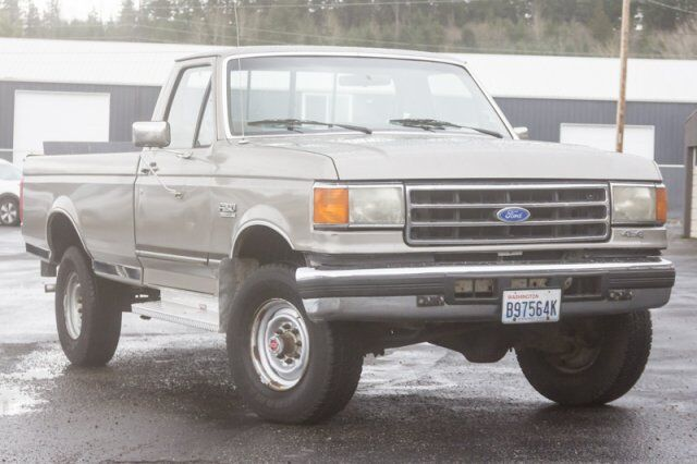 "1990 Ford F-250 HD REGCAB 133""WB"