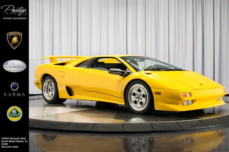 1991_Lamborghini_Diablo_Coupe_ North Miami Beach FL