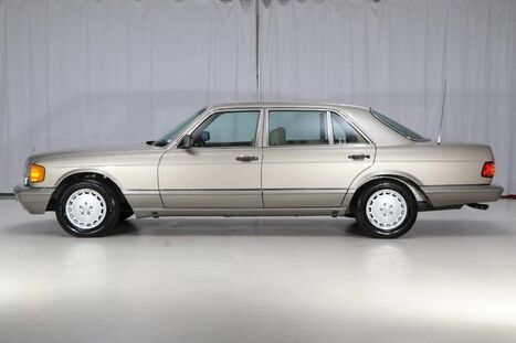 1991_Mercedes-Benz_300 Series_300SEL_ West Chester PA