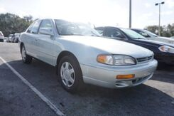 1995_Toyota_Camry_LE_  FL