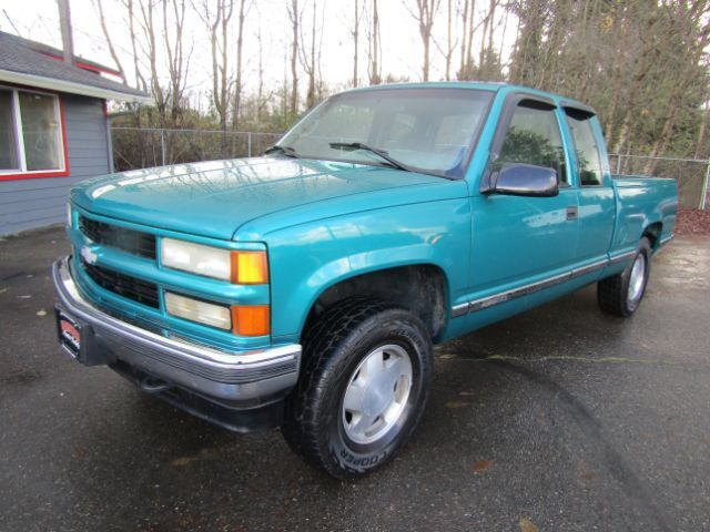1996 Chevrolet C/K 1500 Ext. Cab 8-ft. Bed 4WD
