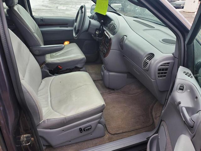 1996 Chrysler Town & Country  Idaho Falls ID