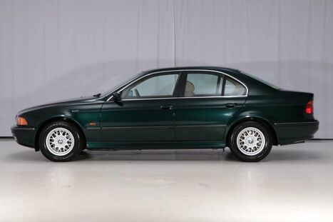 1997_BMW_5 Series Sedan_528iA_ West Chester PA